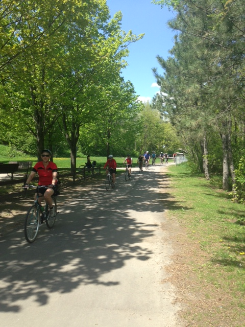 Cyclists on Rideau West Pathway