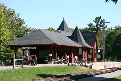 Dundas Trail Centre Photo PC niagaraescarpmentontario dot ca